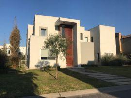 Buenos Aires Village 1300