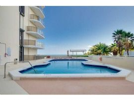 Collins Ave 6400