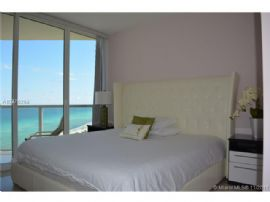Collins Ave 16600