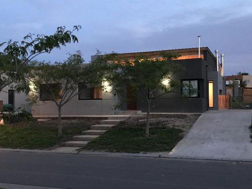 Santa Guadalupe, Casa 401